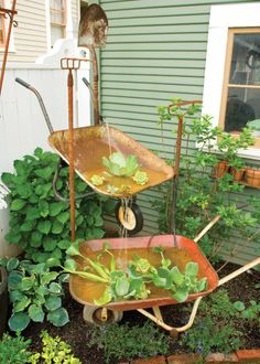Exceptionnel Recycle Old Wheelbarrows Into A Charmingly Rustic Garden Fountain With This  DIY Project. Rustic Gardens