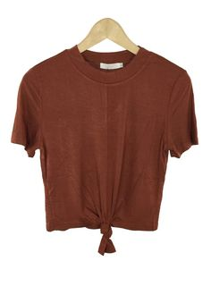 maddy front knot crop top (rust)