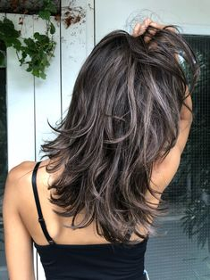 Pin on ヘアスタイル Fall Hair Color For Brunettes, Hair Color For Black Hair, Medium Hair Cuts, Medium Hair Styles, Long Hair Styles, Brown Hair Shades, Light Brown Hair, Haircuts For Long Hair With Layers, Dark Hair With Highlights