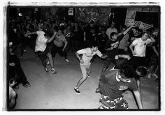 Hardcore Dancing by Fabricio Obljubek, via Flickr