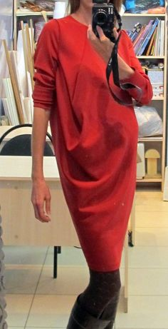 Cut skirts and dresses . horizontal drapery-rocker, the principle of the tunic 30s Dress, Dress Skirt, Office Dresses, Casual Dresses, Hijab Dress Party, Japanese Outfits, Japanese Clothing, Dress Silhouette, Maternity Dresses