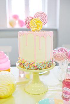 Kindergeburtstag in Rosarot | Friedasbaby.de Fotos: Kathrin Schafbauer Planung: Anna Scharl Deko: Partyerie Lollipop Birthday for Girls