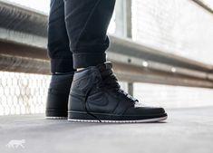 Nike Air Jordan 1 Retro High OG (Black / White - Black)