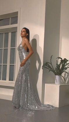 silver prom dresses Source by ariesbugua Grey Party Dresses, Pretty Prom Dresses, Mermaid Prom Dresses, Homecoming Dresses, Bridal Dresses, Formal Dresses, Silver Prom Dresses, Dress Prom, Oscar Dresses