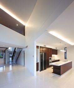 Diseño de cocina de moderna casa de hormigón