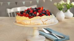 Pavlova. Raspberry, Strawberry, Anna Pavlova, Cream Cream, Custard, Cake Cookies, Food For Thought, Dairy Free, Blueberry