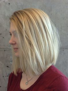 Traditional highlighted blonde lob on really fine hair.  www.tothewoodssalon.com