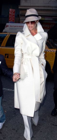 The 40 Chicest Women in Trench Coats of All Time: Victoria Beckham, 2008 Trench Coats, White Trench Coat, Women's Coats, Victoria Beckham Style, White Outfits, Glamour, Coats For Women, Winter Fashion, My Style