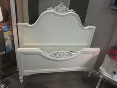 GORGEOUS SHABBY CHIC bedroom set