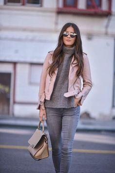 HAGA CLIC Y COMPRE :) Chaqueta de motorista de cuero sintético rosa claro para mujer chaqueta de cuero rosa traje de otoño je ... Moda, Combinar Pantalon Blanco, Jeans De Moda, Ropa De Invierno, Cazadora Cuero, Jeans Grises, Ropa De Moda, Ropa, Ropa Casual