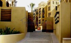 Spacious 1 bedroom apartment for rent in Kamoon 4 ,Old Town . - AED 105000