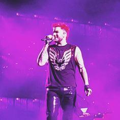 Queen +Adam Lambert - 'Spread Your Wings'