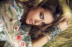 Ideální parťák na léto? Minerální make-up! #makeup #minerals #woman #summer #annabelleminerals #cosmetics #natural #womanandstylecz Boho Fashion, Fashion Beauty, Boho Boutique, Hippie Jewelry, Boho Bride, Modern Boho, Photo Editing, Stock Photos, Hair Styles