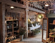 love this rustic room!