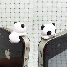 Słodziutka panda. Idealna wtyczka do telefonu ;)