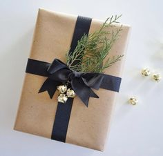 New Gifts Christmas Wrapping Jingle Bells Ideas Holiday Fun, Holiday Gifts, Christmas Holidays, Christmas Crafts, Christmas Decorations, Santa Gifts, Christmas Morning, Creative Gift Wrapping, Creative Gifts