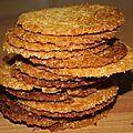 Craquants fins et dorés à la noix de coco de Philippe Conticini Mini Desserts, Summer Desserts, Vegan Desserts, Easy Desserts, Biscuit Cookies, Biscuit Recipe, Cake Cookies, Chefs, Chia Vegan
