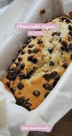 Soffice, goloso e 100% vegan. Un plumcake ricco di cioccolato e senza uova, latte e burro. #fefahomemade