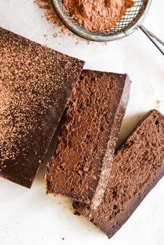 Simple and delicious Four Ingredient Chocolate Fudge Cake. This dense, rich cake is free from gluten, grains, nuts, dairy and perfect for special occasions. Healthy Cake, Healthy Dessert Recipes, Yummy Snacks, Gourmet Recipes, Whole Food Recipes, Cake Recipes, Dessert Makers, Brownies, Rich Cake