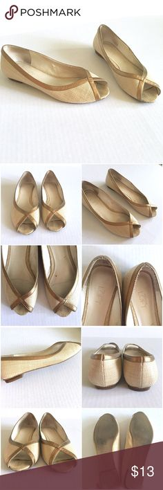 ❗️️FINAL❗️ LOFT Basket Weave Flats w/Small Heel Tan Ann Taylor LOFT Basket Weave Open Toed Flats with gold trim // sz 8M // very small heel // has wear, as shown in photos. Price reflects damage //non-smoking home // not my size. Can't model. // 20% off 3+ Bundles // offers welcome! // Same Day or Next Day Shipping!! No trades 7.13.13 LOFT Shoes Flats & Loafers