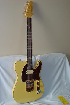 Tradition Guitars JRC Gold Classic Electric Guitar tele body - Cream - Indian Creek Guitars