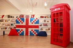 London Theme Birthday Party England Queen Union Jack Flag cupcakes cakes cake cake pops decorations flowers theme bus car big ben telephone booth red blue white