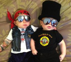 Halloween Costumes For Twins That Will Win You Over, Twice