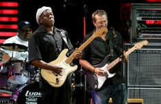 Eric Clapton Buddy Guy Photos - Musicians Buddy Guy (L) and Eric Clapton perform during the Crossroads Guitar Festival 2007 held at Toyota Park on July 2007 in Bridgeview, Illinois. Matt Guitar Murphy, Blues Brothers Movie, Steve Winwood, Buddy Guy, Best Guitar Players, Movies Coming Out, Eric Church, Eric Clapton, Man Photo
