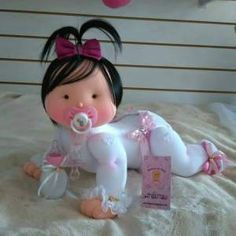 Molde de Muñeca bebé con chupete en fieltro