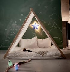 Wonderful Corners to Play http://petitandsmall.com/gorgeous-playcorners/