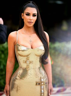 """This Is Why Kim Kardashian Went To The Met Gala Without Kanye West No, he wasn't uninvited after Anna Wintour heard the lyrics to """"Lift Yourself. Kim Kardashian Braids, Kardashian Style, Kardashian Jenner, Rachel Bilson, Diane Kruger, Sarah Jessica Parker, Kendall Jenner Outfits, Kanye West, Sexy Outfits"""