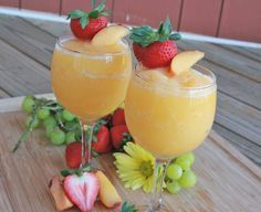 Peach Moscato Wine Slushies - super refreshing, easy, festive and crowd-pleasing! Make it a virgin for the kiddos by using sparkling white grape juice!