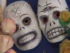 El Día de Los Muertos (en español) disponible en ingles también
