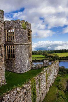 visitheworld: Carew Castle Pembrokeshire / Wales (by Nigel Woollard). Welsh Castles, Castles In Wales, Beautiful Castles, Beautiful World, Beautiful Places, Places To Travel, Places To See, Pembrokeshire Wales, Castle Ruins