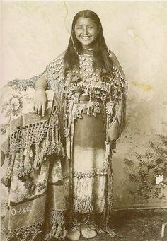 2. O-o-be, les Kiowas, 1894 vintage-native-american-girls-portrait-photography-8-575a67c04228f__700amérindiennes-amérindiennes