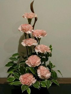 Garden Flowers - Annuals Or Perennials Carnations, A Twisted Piece Of Wood And Some Ficus Foilage - Keeping It Simple Altar Flowers, Church Flowers, Funeral Flowers, Flowers Garden, Ikebana, Contemporary Flower Arrangements, Large Flower Arrangements, Deco Floral, Arte Floral