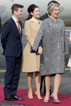 Princess Mary of Denmark greets the King and Queen of Netherlands #dailymail