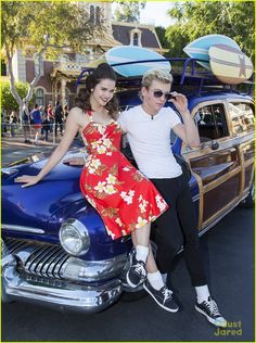 Ross Lynch & Maia Mitchell: 'Teen Beach Movie' Performance at Disney Christmas Parade! | ross lynch maia mitchell teen beach movie disney christmas parade 04 - Photo Gallery | Just Jared Jr.