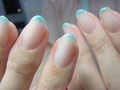 NAIL-COMMON: 青の滲むネイル