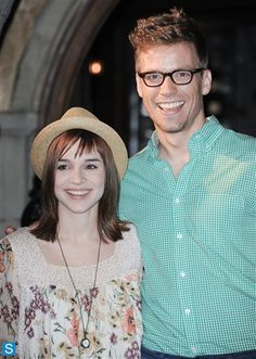 Nell and Eric Best Tv Shows, Favorite Tv Shows, Detective, Ncis Cast, Ncis New, Star Wars, Movie Stars, Actors & Actresses, Tv Series