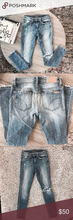 Joe's distressed skinny jeans 👖 Vintage reserve. Has STRETCH. Small makeup stain Joe's Jeans Jeans Skinny