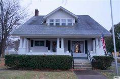 219 E Main Hanover, MI  $119,900  Debbie Crownover, RE/ MAX Mid Michigan   Office: 517-788-2633 Cell: 517-789-8290