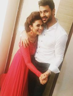 Aww! Divyanka & Vivek Hugging Each Other Is The Cutest Thing On Internet…