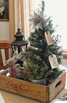 Tiny Christmas Trees, Noel Christmas, Country Christmas, Christmas 2019, Vintage Christmas, Christmas Crafts, Farmhouse Christmas Decor, Christmas Wreaths, Christmas Vacation