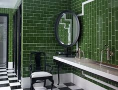 How to Decorate with Emerald
