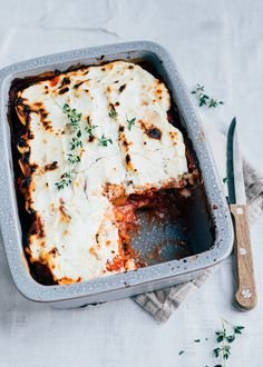 Dit lijstje met zoete aardappel recepten moet je zeker even opslaan. Van curry tot soep en van stamppot tot gratin, met deze zoete aardappel recepten kun je even vooruit.