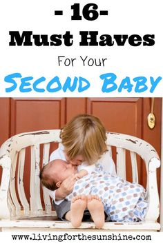 Second (or Third) Baby Must-Haves - Living For the Sunshine Must-have items that will make your life so much easier for you when you have your second baby! Second Baby, 2nd Baby, Second Child, Second Pregnancy, Pregnancy Info, Baby Must Haves, After Baby, Baby Arrival, Baby Hacks