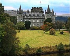 Campbell Clan castle - Argyll, Loch Awe - Just a wee family home.