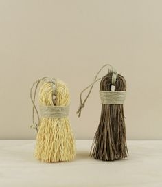 Stiff looped, single straight bound, or medium stiff dense double straight bound scrubbing whisks from Finland. The looped and single bound whisks are made from yellow rice root (the stripped and dried roots of zatacon, a Mexican grass); Brooms And Brushes, Ceramic Texture, Pine Needles, Star Wars, Wooden Spoons, Mark Making, Handmade Home Decor, Natural Materials, Boho