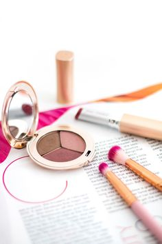 Makeup products | Jane Iredale | Blog photography